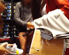 Candid voyeur hot lips teen in shorts beautiful shopping