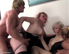 Lucky son fucks and cuts on three mothers